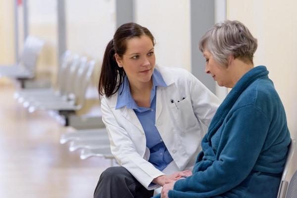 为什么不建议55岁以上老人买重疾险?